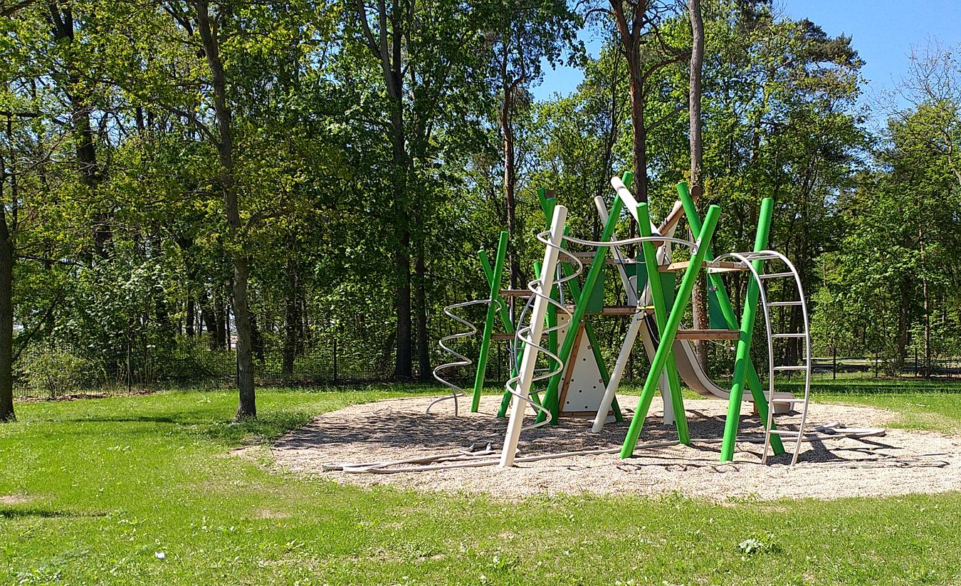 LU Spielplatz Rousseaupark 1 a8